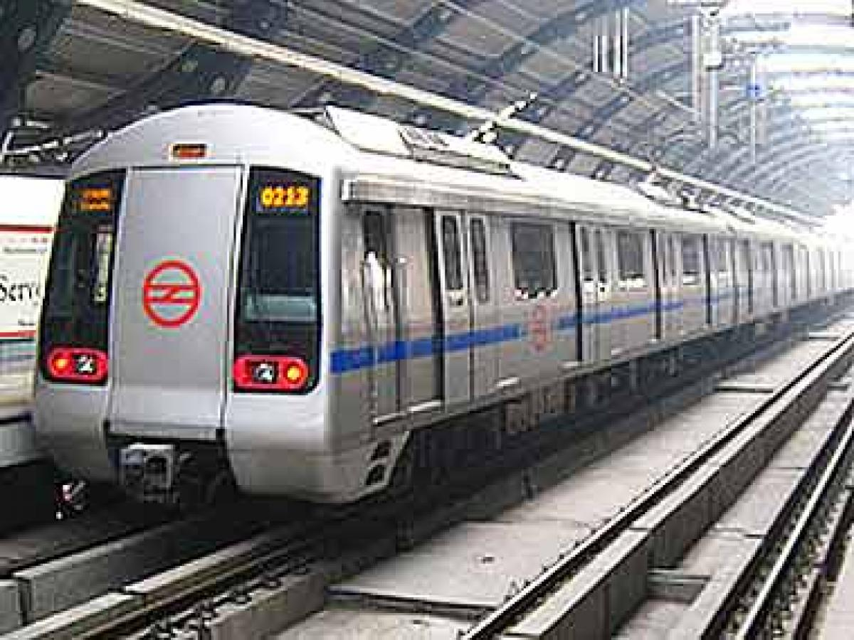 1,000 kms of Metro Rail by 2022 to 100 smart cities: PM Modi's pitch to investors