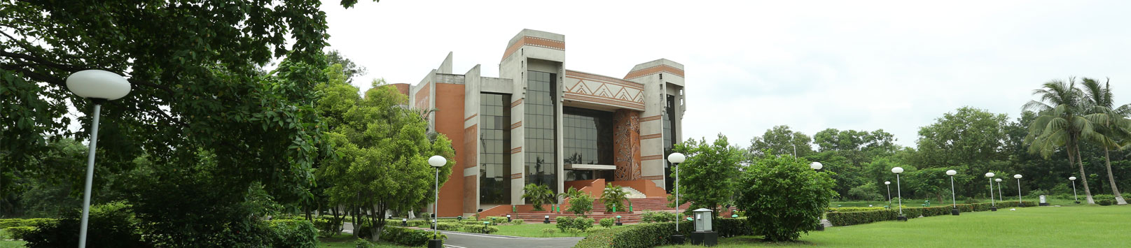 100% summer internship placement at IIM Calcutta; Accenture top recruiter